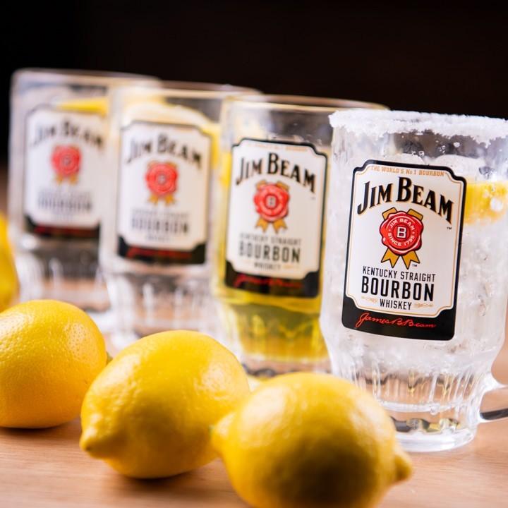 小倉にあるレモンサワーが美味しい居酒屋【炭火肉焼き 大衆居酒屋 小倉やきとん酒場】